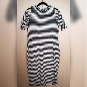 Stripped body-con cold shoulder dress